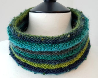 Crystal Cowl Knitting Kit - EVERGREEN