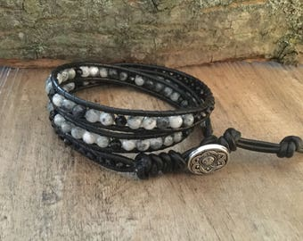 A1047 Leather Triple Wrap Bracelet with Gray Marbled Agate Beads with Black Crystal Bicone Crystal Beads