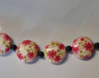 Beautiful round flower bead