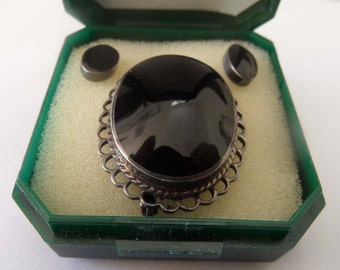 Vintage Whitby jet brooch and earings