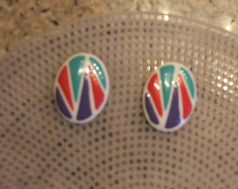 """RETRO EARRINGS PIERCED, Green, Red, Purple, White, 1.5"""" Diameter (#540)"""