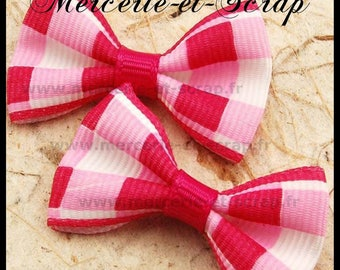 LOT 5 Appliques white bow and hot pink grosgrain 40 48 embellishment