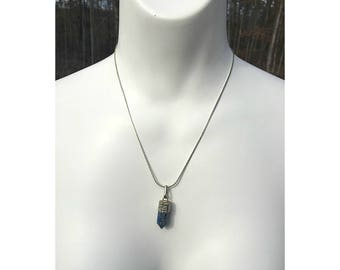 Blue Kyanite Cylinder Pendant Necklace, Kyanite Necklace, Blue Necklace, Healing Jewelry, Cleansing Jewelry, Attunement, Cylinder Necklace