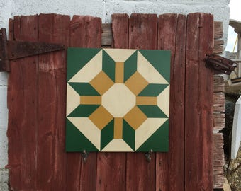 """PriMiTiVe Hand-Painted Barn Quilt - 18"""" Unframed - Wisconsin Star"""