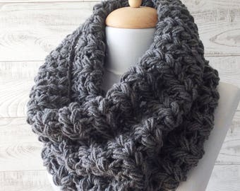 Knit Infinity Scarf Chunky Scarf Crochet  Scarf Cowl Winter Scarf Christmas Gift  / Many Colors / FAST  SHIPPING