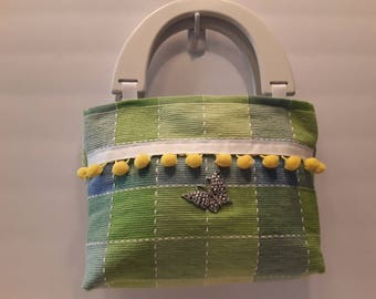 "Placemat ""Spring is in the Air"" purse"
