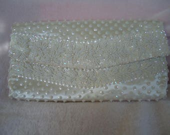 """Vintage Clutch off white/cream purse seed beaded sequined fold over flap 9 1/2"""" x 5"""" excellent condition"""