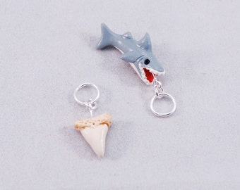 Shark knitting or crochet stitch markers - Set of 5 - Polymer Clay