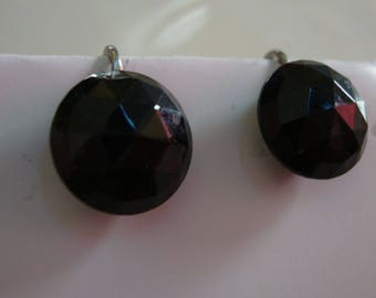 Faceted Black glass earrings (screw-on) with silver back
