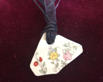 Vintage Thames foreshore  floral pottery shard pendant