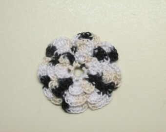 "RUFFLED Spool Pin Doily (2.0"") - Multi ZEBRA (Black/Beige/White)"