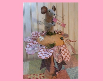 Posie & Mouse Pin keep pattern PDF - wool fabric flower primitive sewing notion