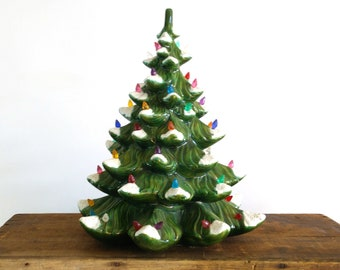 Vintage Ceramic Christmas Tree / Atlantic mold