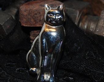 Seated Pretty Kitty Cat Vintage Brooch #BKC-KBRCH33