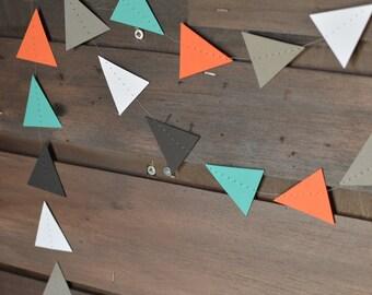 Orange, turquoise, blanc, gris et noir Woodlands Triangle Tribal guirlande, guirlande géométrique Pow Wow pour les décors, crèches, fêtes, etc.!