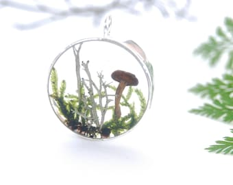 Terrarium necklace. Boho necklace. Forest terrarium. Gift for her.Real mushroom Resin necklace. Mushroom jewelry. By OCEAN PETALS