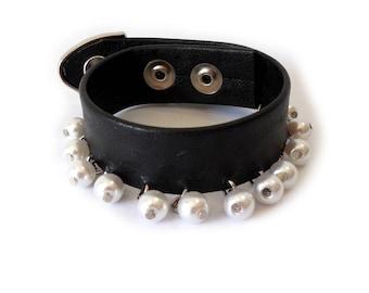 Pearls Cuff. Pearl Bracelet. Pearl Cuff. Vegan Leather Bracelet