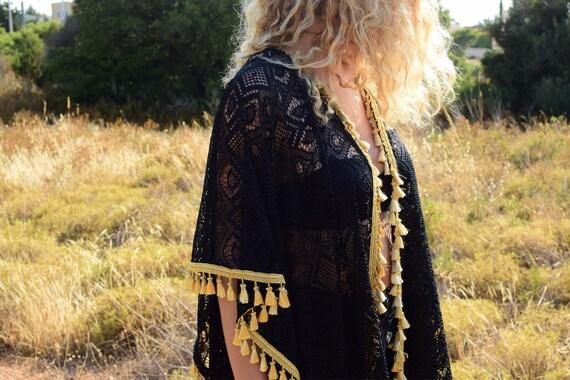 Black Touch Feel Beautiful Lace Mini Ethnic Gold Top Caftan Length Cape Like Womens Gold The Unique with Shine Kimono SPpwgqn