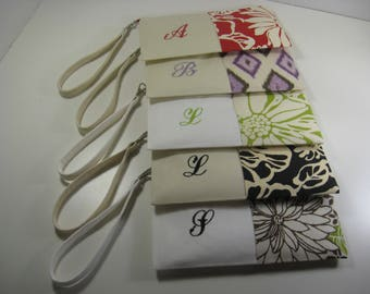 Set of 5 - Personalized - Embroidered Clutches - Monogrammed,  Zipper Pouches - Bridesmaid Gift - Your Choice - Date - Made To Order