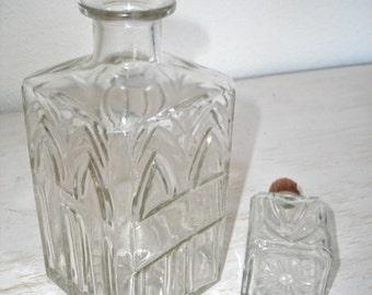 vintage decanter - pressed glass - home bar decor - retro madmen barware - shabby cottage chic - hollywood regency decor geometric design