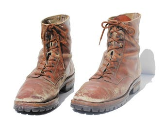Vintage Men's Distressed Rust Brown Leather Boots / size 9.5
