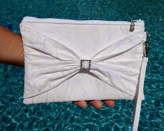 Clutch, Wedding Clutch, Bridal Wristlet, Tropical Bag, Hawaiian Purse in Tropical Leaf Print - Made in Maui