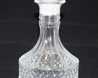 32 oz fancy glass Decanter