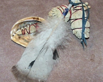 Smudge Feather with Lapis Lazuli Gemstone Accent