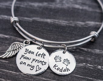 Pet Memorial Jewelry / Charm Bracelet / You left paw prints on my heart / Wire Bangle / Pet Memorial Bracelet / Loss of Pet / Wire Bangle