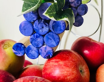 Purple Grapes: fruits and veggies