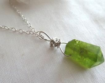 Peridot crystal gemstone  pendant- Jewelry green gemstone silver necklace- Peridot August birthstone- Boho raw stone pendant- Women gift