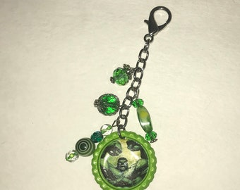 Handmade Bottlecap clip-ons or keychains Green Hulk