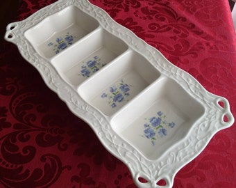 Mikasa 4 Section Serving Tray , Heavy Glass , White with Floral Vine , R1051 , Excellent Condition