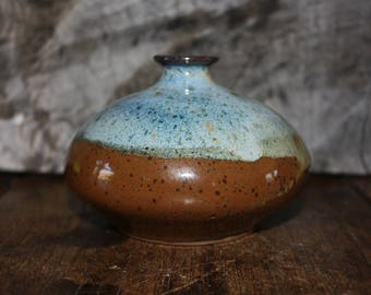 Small squatted Vase, Stonware vase