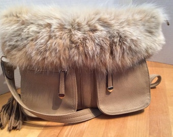 Handbag beige lined Fox unique fur, lined inside.