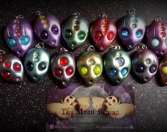 The Lil Aliens-Alien pendants-alien art-gemstones pendant-trippy-ufo-space-i want to believe-ooak-hand sculpted -clay alien-kawaii