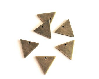 10 sequins triangles bronze triangle charm, 14x12mm
