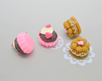 cake 4 charms: 2 pink / 2 Brown