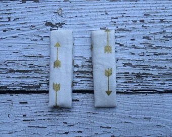 Cream with Gold Arrows Magnetic hip clips, tunic clips