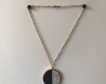 Gold Two-toned Marble Pendent Necklace