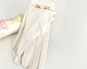 Gorgeous French Leather Gloves Size 7 Unworn Cream with Gold Buckle, Vintage Gloves for Women by Denise Francelle Made in France Roger Fare
