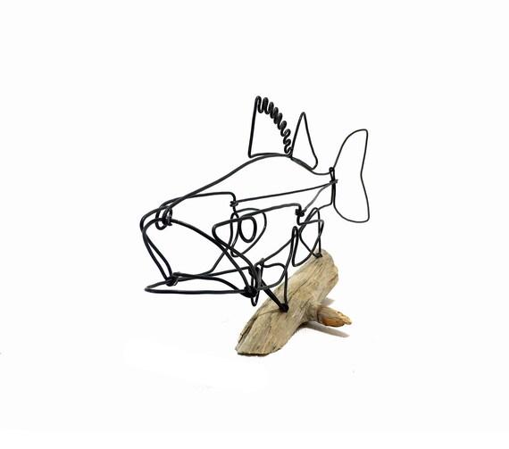 Zander-Fisch-Draht-Skulptur. Fisch Draht Kunst Skulptur die