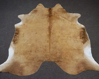 Camel Brown Original Cowhide Rug - OG - 376 [Size: 7'2 x 6'8]