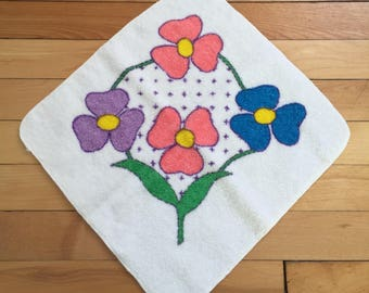 Vintage 1960s White Purple Pink Blue Floral Terry Cloth Wash Face Cloth!