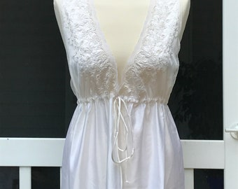 Barbizon Empire Waist Long Nightgown Bridal Nightgown Embroidered Satin Ivory Nightgown Vintage Nightgowns