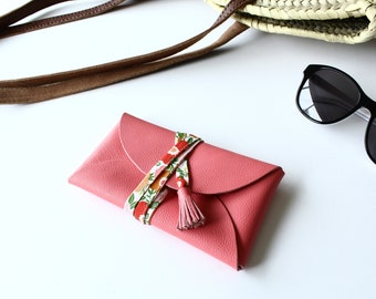 Leather glasses case - pink