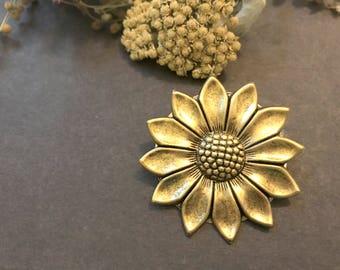 Daisy Brooch, Wildflower Pin, Daisy Pin, Nature Inspired, Woodland Flower, Gold Flower, Woodland Wedding, Sweater Brooch, Shawl Pin, Gift