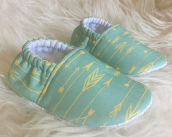 Baby Moccs: Arrows Lemon SeaGlass / Baby Shoes / Baby Moccasins / Childrens Indoor Shoes / Vegan Moccs / Soft Soled Shoes / Montessori Shoes