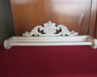 Towel Holder, White chippy decoration