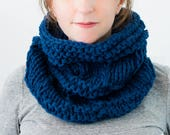 READY TO SHIP - Chunky Knit Cowl, Hand Knit Scarf, Wool Cowl, Chunky Neckwarmer, Dark Blue Knit Cowl, Gifts for Her, Winter Accessories